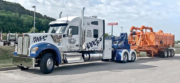 Joey's Towing & Recovery Kenworth W990 Truck
