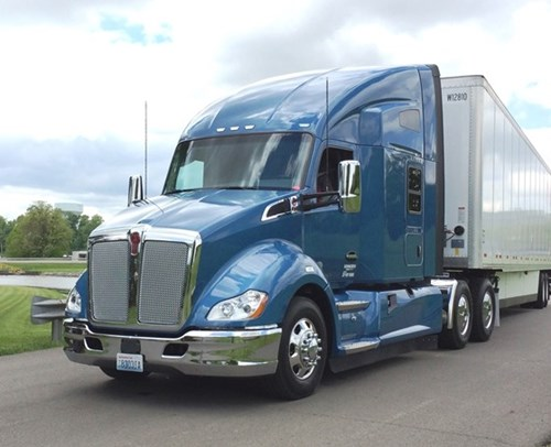 Kenworth Donates T680 Advantage Sleeper for Transition Trucking: Driving for Excellence Award